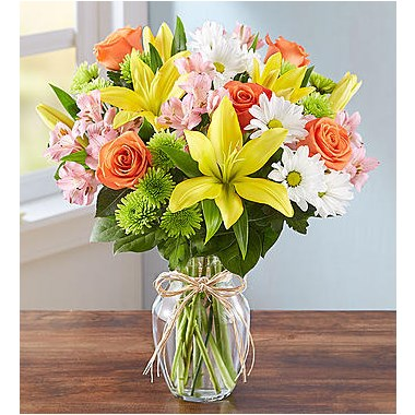 fields-of-europe-flower-bouquet-in-clear-vase